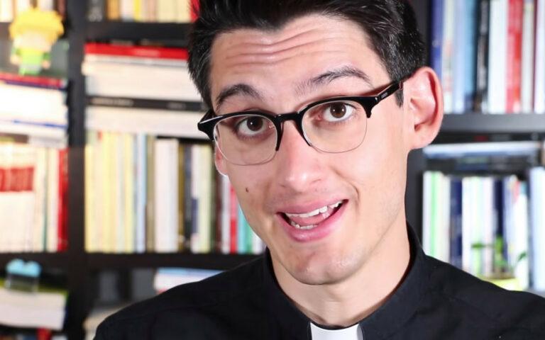 Berkat Lockdown, Pastor Italia Ini Berhasil jadi Bintang YouTube