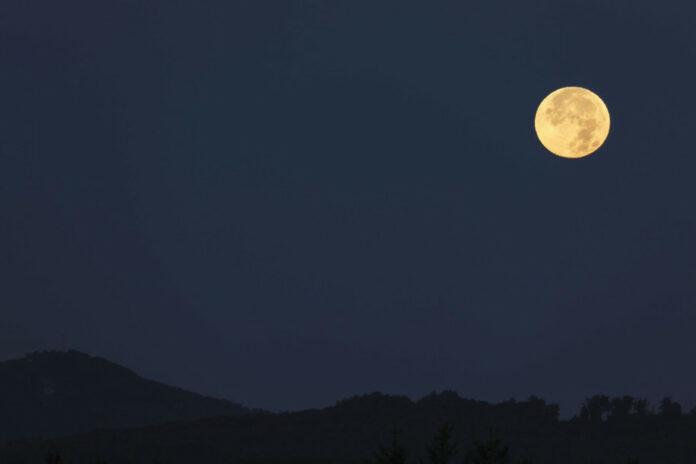 Umur Bulan