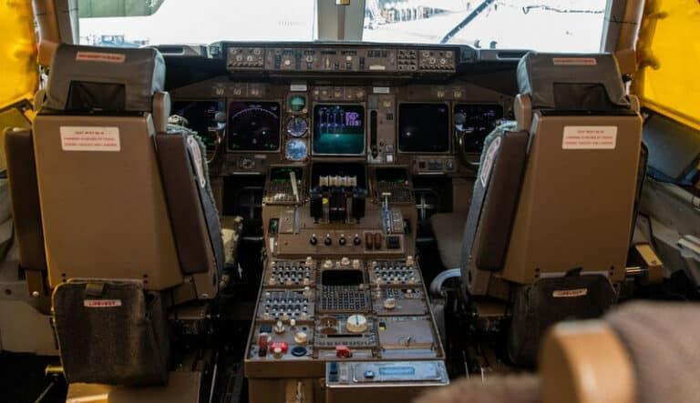 Boeing 747s Masih Pakai Floppy Disk untuk Update Software
