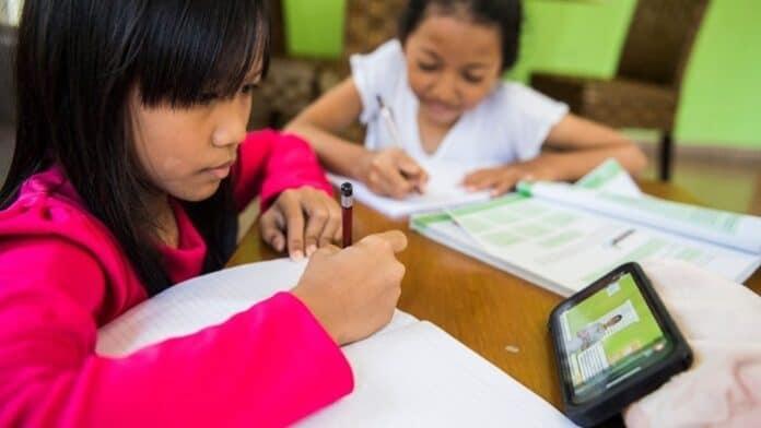 Smartphone Belajar Online