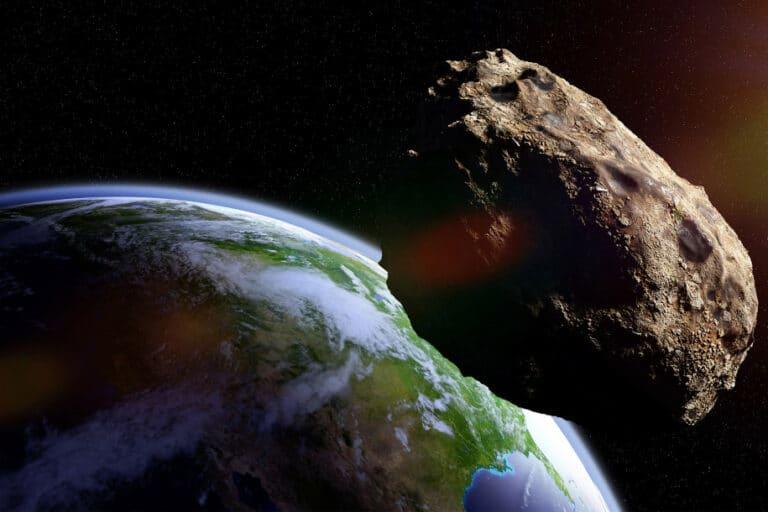 Asteroid QG 2020 Seukuran SUV Mendekat ke Bumi, Waspada!