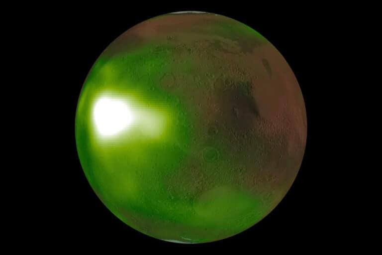 """Cahaya Malam"" Mars Terlihat oleh Pesawat NASA"