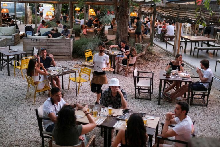 Restoran Pizza di Spanyol Pakai Aplikasi Pelayan Virtual
