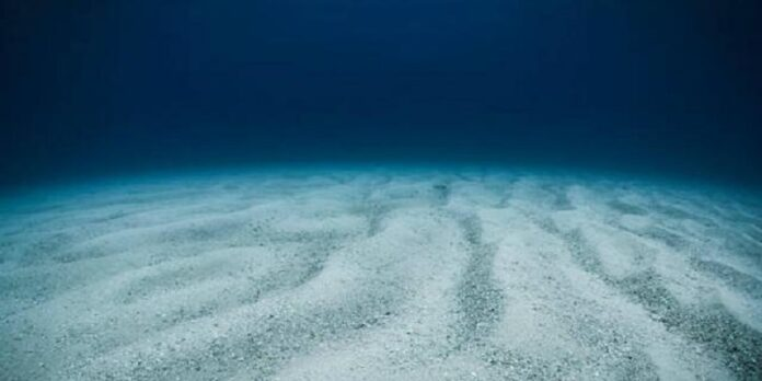Laut Terdalam di Dunia