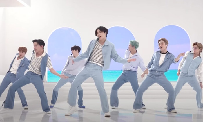 Dynamite BTS Tayang di Fortnite, Netizen Gaungkan Tagar #DynaNite