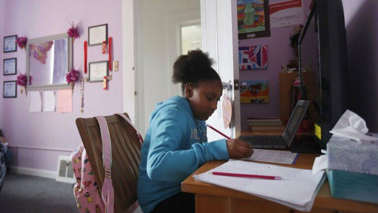 Orangtua Kian Khawatir Soal Keamanan Anak Selama PJJ