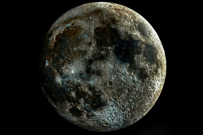 Permukaan Bulan Berkarat