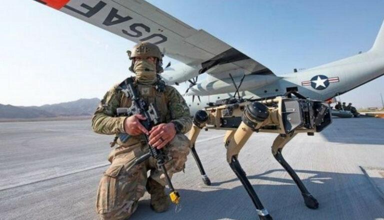 Robot Anjing Patroli di Pangkalan Angkatan Udara AS (VIDEO)