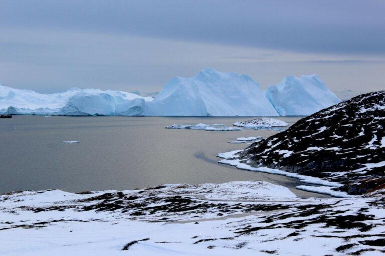 Lapisan Es di Antartika Mencair, Bumi Terancam Tenggelam