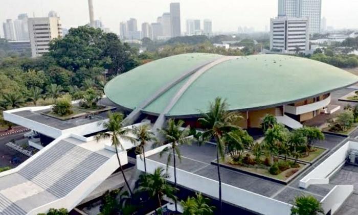 7 Berita Viral Paling Ngehits Sepekan: Gedung DPR Dijual!