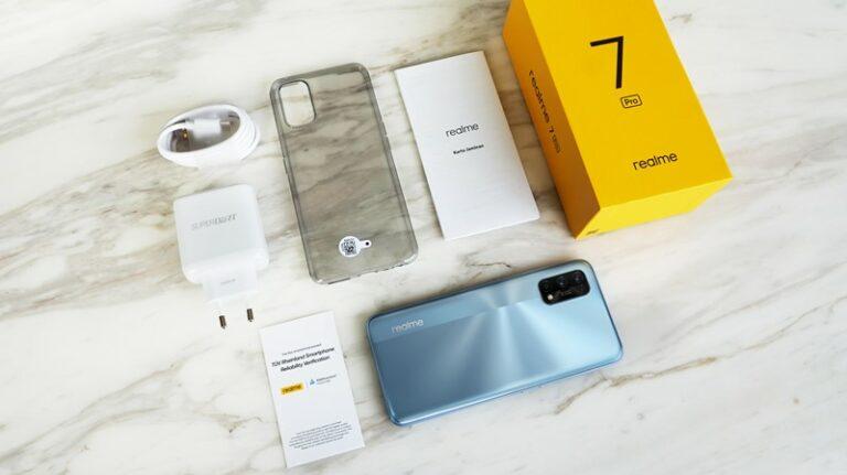 Unboxing Realme 7 Pro, Begini Desain dan Spesifikasinya