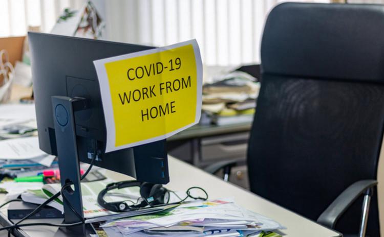 Facebook Minta Moderator Konten Kerja di Kantor