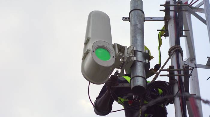 Alphabet Bangun Jaringan Internet Cahaya, Namanya Project Taara