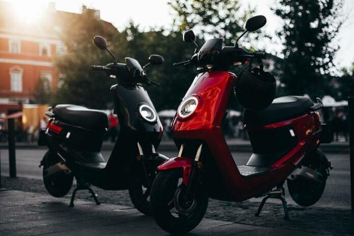NIU Sepeda Motor Listrik