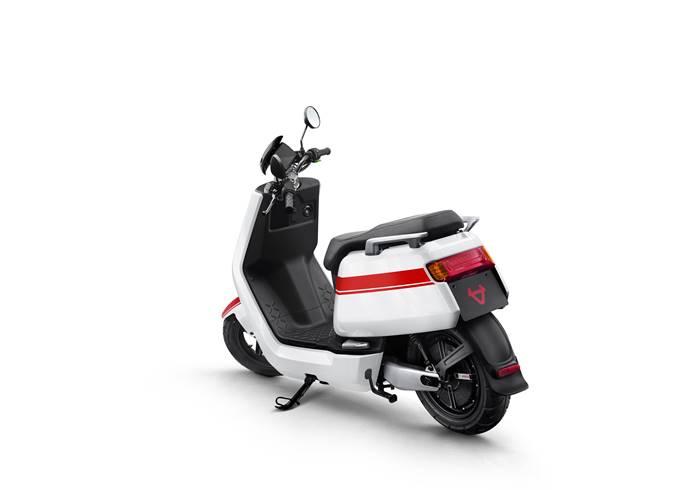 Sepeda motor listrik NIU