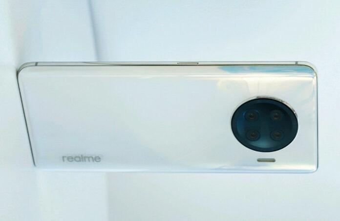 Realme Race Smartphone dengan Snapdragon 888