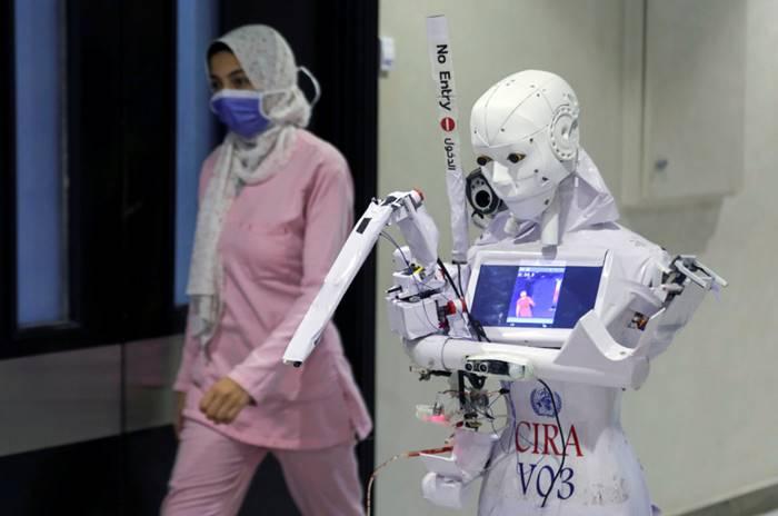 Mesir Ciptakan Robot Khusus untuk Lakukan Tes Covid-19
