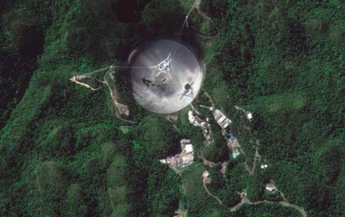 Tragis, Teleskop Raksasa Puerto Rico Ambruk Rusak Parah