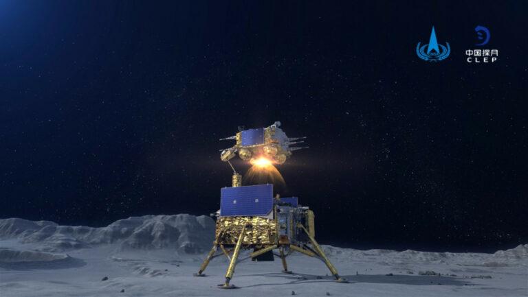 Kapsul Luar Angkasa China Bawa Bebatuan Bulan ke Bumi