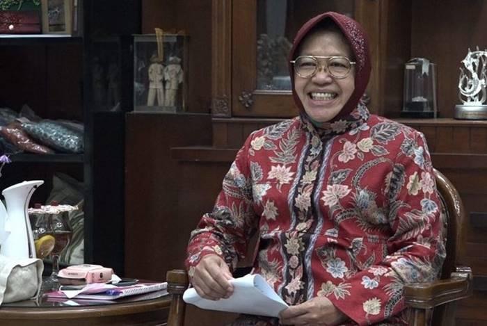 Presiden Jokowi Reshuffle Kabinet, Bu Risma Jadi Mensos