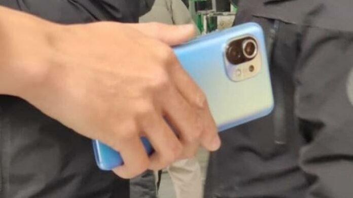 Desain Xiaomi Mi 11