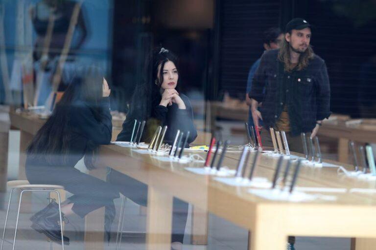 Kasus Covid-19 Naik, Apple Store Tutup di Amerika dan Inggris