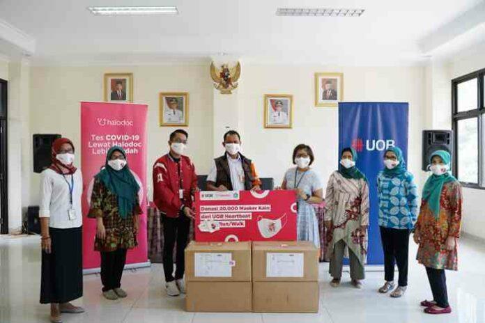 Masker kesehatan Covid-19 Halodoc UOB