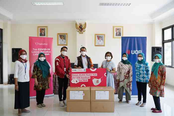 Halodoc dan UOB Indonesia Donasikan 20 ribu Masker Covid-19