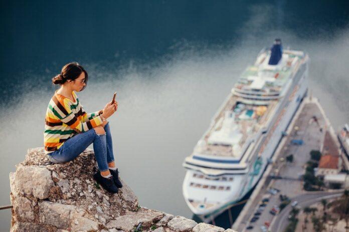 smartphone untuk liburan
