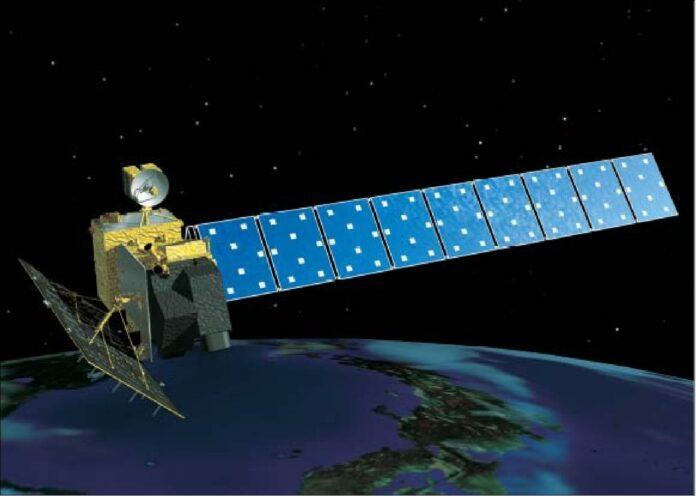 Satelit Kayu Jepang