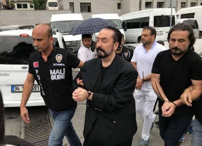 Ini Sosok Harun Yahya yang Dihukum Penjara 1000 Tahun