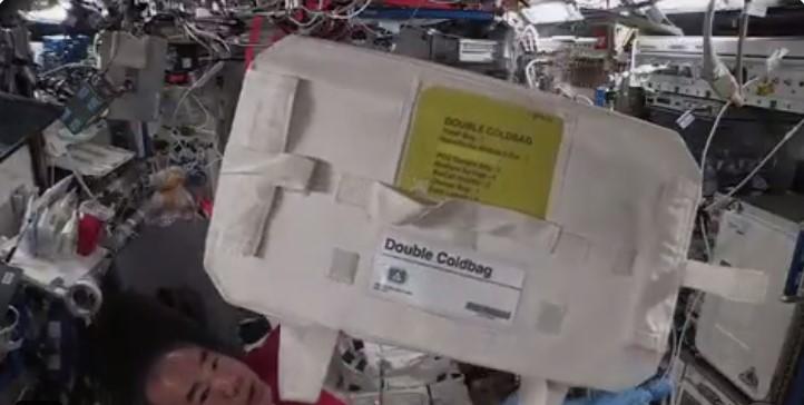 Kapsul SpaceX Bawa Kembali Minuman Anggur Bordeaux dari ISS