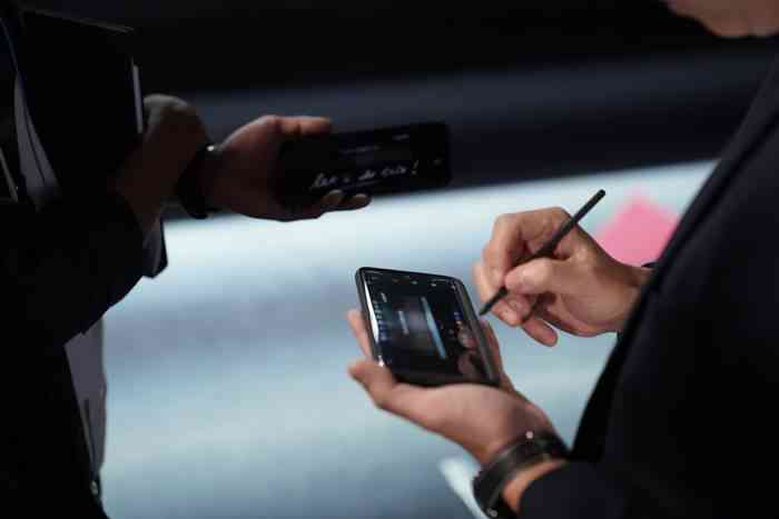 Samsung Galaxy S21 Ultra Ernest Prakasa
