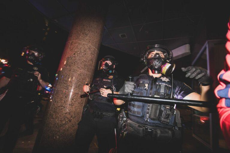 Berkat Facial Recognition, Demonstran Bisa Lacak Polisi Menyamar