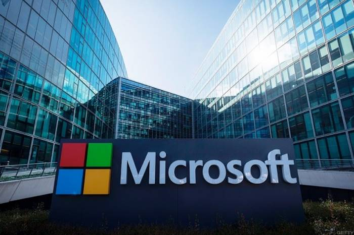 Microsoft Bakal Bangun Data Center Pertama di Indonesia