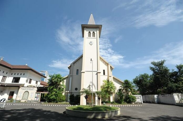 Ledakan bom gereja katedral makassar