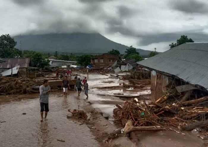 Pasca Banjir Bandang, Operator Diminta Pulihkan Jaringan di NTT