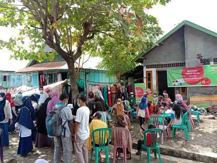 Bantuan Indosat Ooredoo Korban Banjir NTT NTB