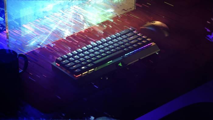 Razer BlackWidow V3 Mini HyperSpeed, Keyboard Wireless nan Ringkas