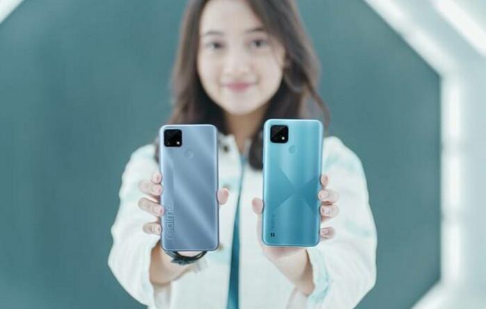 Realme Pangkas Harga Ponsel Tahan Banting Realme C25 dan C21