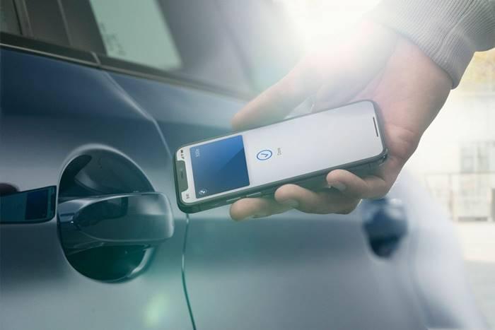 Android 12 Bakal Sulap Smartphone Jadi Kunci Mobil
