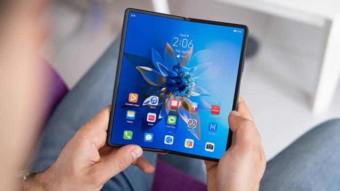 Lepas dari Huawei, Honor Siapkan Smartphone Lipat Pertamanya