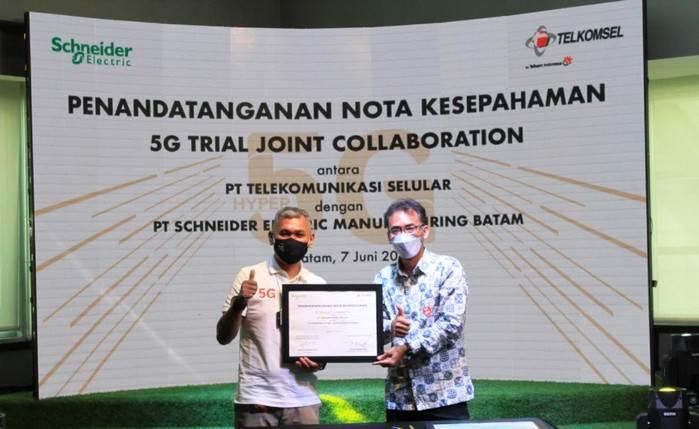 Pabrik Pintar Schneider Electric Gunakan Teknologi 5G Telkomsel