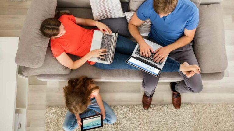 Harga Paket Iconnet, Indihome, First Media & Biznet: Murah Mana?