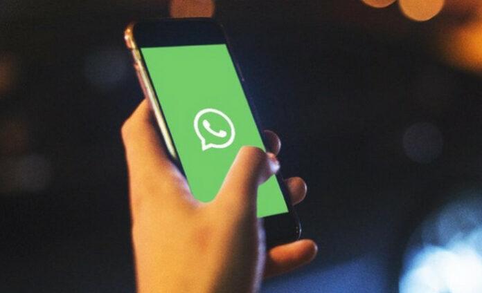 Balas Chat Grup WhatsApp