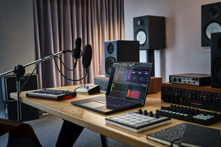 Asus Luncurkan Laptop Gaming 16 Inci Pertama, ROG Zephyrus M16