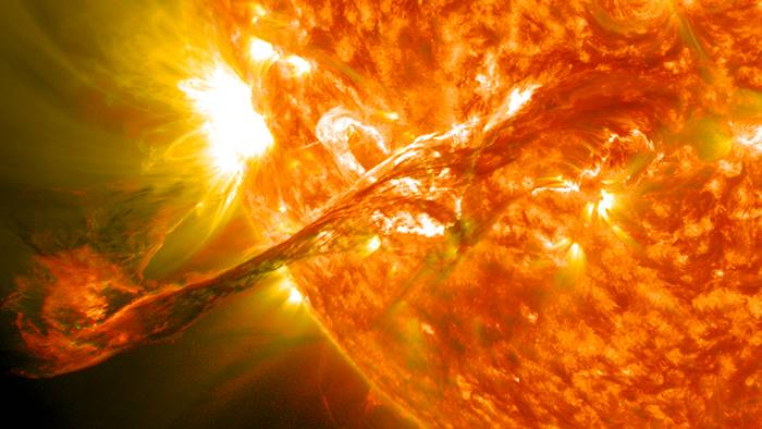 Ngeri! Fenomena Badai Matahari Picu Kiamat Internet Berbulan-bulan