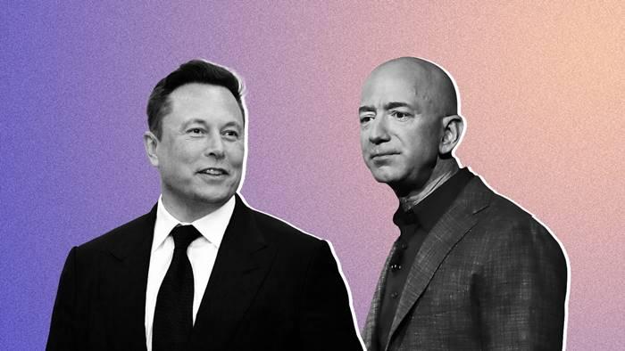 Jadi Orang Terkaya, Elon Musk Kasih Medali Perak ke Jeff Bezos