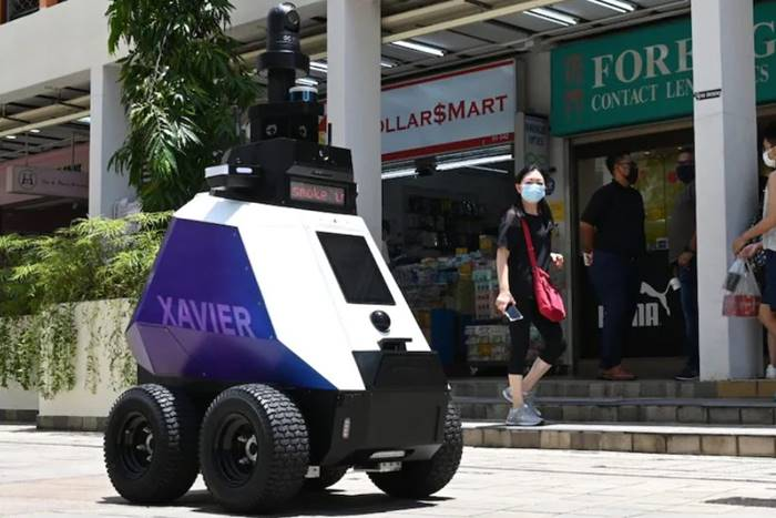 Singapura Pakai Robot untuk Cari Pelanggar Prokes Covid-19